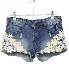 2016 Lace Floral Beading Women Wash Jeans Denim Shorts Size S-2XL Rivet Decorated Summer Fashion Lady Short Pants Trousers LC013