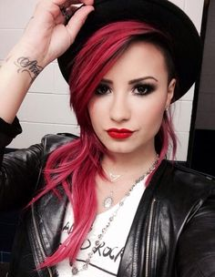 Demi Lovato 2014 Gorgeous Celebrity Hairstyles 2014 | World's Best Hairstyles