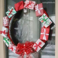 gift box wreath tutorial, crafts, how to, wreaths