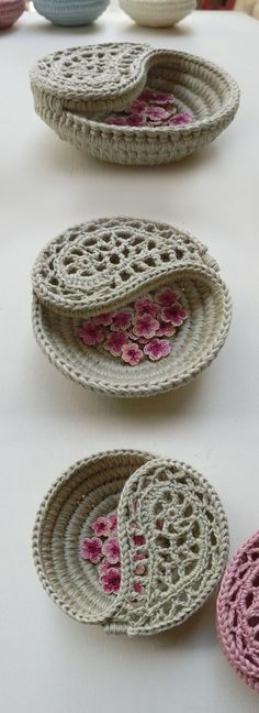 Yin yang jewelry dish as a ring bearer pillow alternative or a bridesmaid gift. pattern by goolgool. 4 Yin yang jewelry dish as a ring bearer pillow alternative or a bridesmaid gift. pattern by goolgool. Crochet Bowl, Crochet Basket Pattern, Love Crochet, Diy Crochet, Crochet Flowers, Crochet Baskets, Crochet Ideas, Crochet Basket Tutorial, Simple Crochet