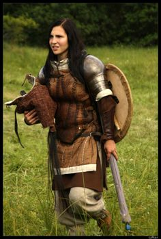 See? Female armour IS allowed to cover the belly. - Meliss - Shieldmaiden of Rohan