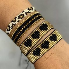loom beading for beginners Loom Bracelet Patterns, Bead Loom Bracelets, Woven Bracelets, Jewelry Patterns, Jewelry Bracelets, Bangles, Bead Jewellery, Seed Bead Jewelry, Beaded Jewelry