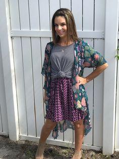 Layering and Pattern-Mixing ❤️ LuLaRoe Shirley kimono + LuLaRoe knotted Irma tunic + LuLaRoe Madison skirt (with pockets)