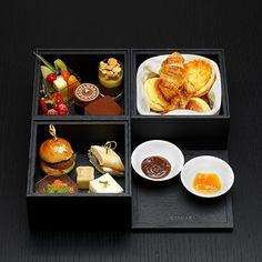 Afternoon Tea Box at Bvlgari Hotels & Resorts, Tokyo-Osaka Bvlgari Hotel, Afternoon Tea Parties, Tea Box, Looks Yummy, High Tea, Osaka, Hotels And Resorts, Bento, Food Pictures