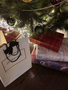 Christmas Feeling, Cozy Christmas, Christmas Baby, Christmas Tree Ornaments, Christmas Time, Holiday, I Love Winter, Winter Time, Applis Photo