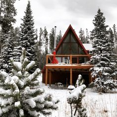 Architecture – Enjoy the Great Outdoors! Lakeside Cottage, Cozy Cottage, Cottage Living, Living Room, A Frame Cabin, A Frame House, Cabins In The Woods, House In The Woods, Beautiful Buildings