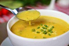 Delícia que só faz bem! Ingredientes 1 mandioquinha (batata baroa)grande 2 inhames 1 cenoura média 1 cebola picada 2...