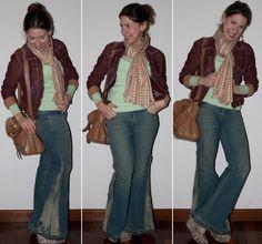 Look do dia no blog de moda: Como usar calça flare, corset, pullover Zara, jaqueta bordô e anabela Santa Lolla no blog de moda. Look do dia com calça flare.