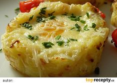 Bramborová hnízda s vejci recept - TopRecepty.cz No Salt Recipes, Vegan Recipes, Easy Cooking, Cooking Tips, Slovak Recipes, Whole 30 Recipes, Baked Potato, Macaroni And Cheese, Food To Make