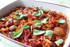 Фрикадельки в томатном соусе.  Запеченные фрикадельки – это альтернатива обычным фрикаделькам, блюдо, которое разнообразит ваше каждодневное меню.