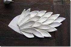 tutorial gallo Cristallo-11 Super Cola, Egg Crates, Paper Mache Sculpture, Galo, Kirigami, Clay Crafts, Bird Art, Quilling, Holiday Crafts