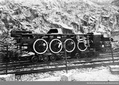 Understell til damplok type 22a eller 24a på traller under transport på Havnebanen @ DigitaltMuseum.no