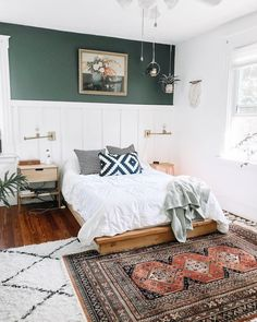A Foolproof Trick for Pulling Off Layered Rugs in Your Bedroom - A go-to trick . - A Foolproof Trick for Pulling Off Layered Rugs in Your Bedroom – A go-to trick that a lot of int - Bohemian Living Rooms, Rugs In Living Room, Dining Rooms, Layered Rugs Bedroom, Home Bedroom, Bedroom Decor, Rug For Bedroom, Attic Bedrooms, Interior Exterior