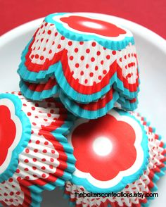 Red and Aqua Tulip Cupcake Liners (50) Sail Away Collection. $3.50, via Etsy.