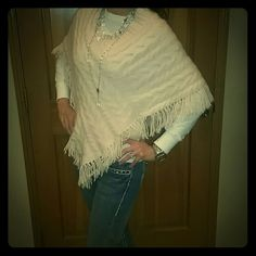 *ON SALE*Banana Republic super soft angora poncho Angora poncho in a soft pink. Lucious feeling. Size XS but can fit up to a med. V neck and cable knit. Excellent condition, rarely worn. Banana Republic Sweaters Shrugs & Ponchos