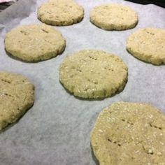 Kauraleipäset | Reseptit | Kinuskikissa | Reseptit Cookies, Finland, Desserts, Food, Crack Crackers, Tailgate Desserts, Deserts, Biscuits, Essen