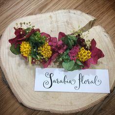Tocado de flores liofilizadas . Invitada