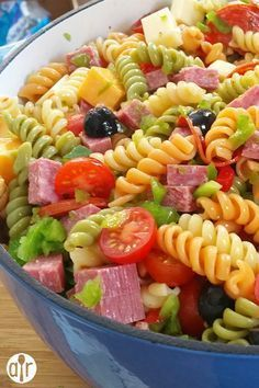Awesome Pasta Salad This is absolutely delicious I made it for myself one day to test it and fell in love with it at the first bite I then made it for my boyfriend one d. Best Pasta Salad, Pasta Salad Recipes, Great Recipes, Dinner Recipes, Favorite Recipes, Good Food, Yummy Food, Cooking Recipes, Healthy Recipes