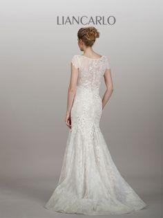 Liancarlo Style 5855  Wedding Gown  Keywords: #lincarloweddinggowns #liancarloweddingdresses #jevelweddingplanning Follow Us: www.jevelweddingplanning.com  www.facebook.com/jevelweddingplanning/