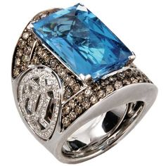 """Ring Vintage """"Baguatelle"""" features blue topaz and white diamonds in 18-carat white gold by Orianne Collins"""