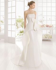 Aire Barcelona 2016 Bridal Collection - Part 1 - Belle The Magazine Aire Barcelona Wedding Dresses, 2016 Wedding Dresses, White Wedding Dresses, Bridal Dresses, Wedding Gowns, Stunning Dresses, Pretty Dresses, Amazing Wedding Dress, Dream Dress