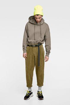 Mens Trousers Casual, Casual Pants, Zara Portugal, Online Sales, Fashion Addict, Rain Jacket, Windbreaker, Normcore, Mens Fashion