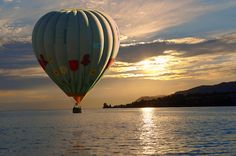 Sunset over Lac Leman (lake Geneva) with a hot air balloon - Montraux Switzerland