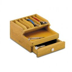 Wood table top pliers holder with tray to hold parts and a drawer to store other tools and equipment. Designed to organize your pliers with extra space for various other jewelry tools. Craft Room Storage, Diy Storage, Storage Spaces, Wooden Rack, Wooden Boxes, Workbench Organization, Organization Ideas, Tool Box Diy, Hobby Tools