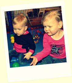 Wintercollectie 2014  Baby hooded sweaters in diverse kleurstellingen Babyshirts in diverse kleurstellingen en diverse designs 100% biologisch katoen www.bellabambini.eu
