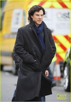 Benedict Cumberbatch & Martin Freeman Film Sherlock Season 3   benedict cumberbatch martin freeman film sherlock season 3 18 - Photo Gallery   Just Jared
