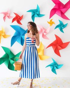 Oh Happy Day - inspiration for making the Seren sundress pattern Pinwheel Decorations, Birthday Party Decorations Diy, Birthday Parties, Diy Backdrop, Photo Booth Backdrop, Photo Backdrops, Diy Craft Projects, Diy Crafts, Party Kulissen