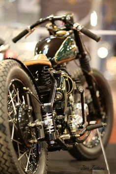 This vintage Harley Davidson is bobbed in a way that keeps the lines clean. #motorcycle #bobber #chopper