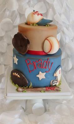 Sports cake with stars. looks vintage! Pretty Cakes, Cute Cakes, Beautiful Cakes, Amazing Cakes, Unique Cakes, Creative Cakes, Sports Themed Cakes, Sport Cakes, Cake Gallery