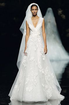 www.eliesaab.com, Elie Saab, 2013 Bridal Collection, bride, bridal, wedding, noiva, عروس, زفاف, novia, sposa, כלה, abiti da sposa, vestidos de novia, vestidos de noiva, boda, casemento, mariage, matrimonio, wedding dress, wedding gown.