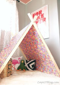 Your kids will love this no-sew DIY fabric play tent! Diy For Kids, Crafts For Kids, Diy Crafts, Big Kids, A Frame Tent, Do It Yourself Baby, Design Poster, Eclectic Design, Big Girl Rooms