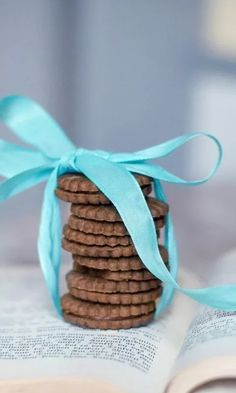 Chocolate Biscuits, Cookie Time, Dessert Recipes, Desserts, Sweets, Cookies, Breakfast, Easy, Cookie Monster