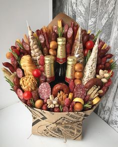 Creative ways beautiful best valentine gift ideas for men 26 – Presents for girls Food Bouquet, Man Bouquet, Gift Bouquet, Bouquet For Men, Best Valentine Gift, Valentines Day Food, Gift Baskets For Men, Wine Gift Baskets, Food Gifts
