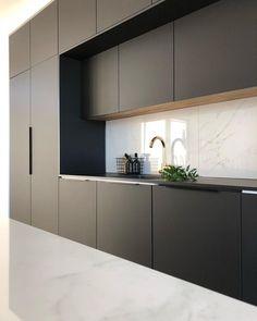 60 gorgeous black kitchen ideas for every decorating style 39 Luxury Kitchen Design, Kitchen Room Design, Kitchen Cabinet Design, Kitchen Layout, Interior Design Kitchen, Home Design, Design Ideas, Kitchen Designs, Interior Modern