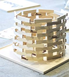 Can you build a higher one? Try it with Linden. Stem Activities, Activities For Kids, Crafts For Kids, Diy Crafts, Block Area, Construction Area, Concrete Projects, Wood Lamps, Jenga