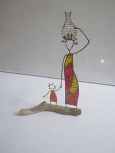 Wire and paper figures Wire Crafts, Metal Crafts, Diy And Crafts, Arts And Crafts, Sculptures Sur Fil, Paper Mache Sculpture, Quilling Craft, Paper Birds, Hand Embroidery Designs