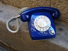 Antiguo teléfono Heraldo azul eléctrico años 70 por Mementosbcn, €98.00