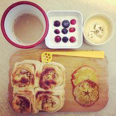 #morning #baking #breakfast #yummy #cinnamonrolls #apple
