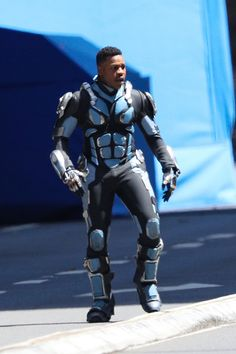 John Boyega suits up in new photos from the set of Pacific Rim: Uprising John Boyega, Steven S, Pacific Rim, Dry Skin, Photo S, Superhero, Suits, Celebrities, Movies