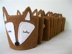 Craft It: Fox Coffee Cozy Pictured cozy by Riley Construction Lovato these are adorable Coffee Cup Cozy, Mug Cozy, Coffee Shop, Night Coffee, Winter Coffee, Coffee Girl, Coffee Scrub, Coffee Creamer, Sewing Crafts