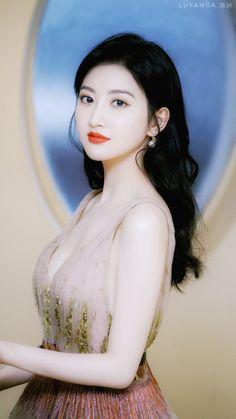 Beautiful Chinese Girl, Beautiful Girl Image, Beautiful Asian Women, Cute Beauty, Beauty Full Girl, Beauty Women, Cute Girl Pic, Stylish Girl Pic, Korean Beauty