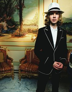 the musical style of beck hansen a musical genius Each would prove a formative influence on his own patchwork musical style anti-folkie after cutting his teeth on the nyc anti-folk scene, beck moved back to la to hone his quirky, lo-fi folkie .