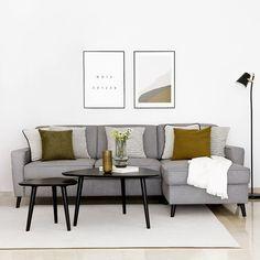 Duver sofá cama / Elegante y práctico. Duver, un bonito sofá multifunción perfecto para tu salón. Convertible en sofá cama, una opción ideal para tener invitados en casa si no dispones de mucho espacio. Además, la chaise longue lleva arcón, lo que aportará un espacio extra de almacenamiento. ¡Te encantará!
