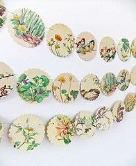 Spring bunting Scalloped Garland up cycled book/ magazine?large scalloped punch - other shapes?originally at peonyandthistle Paper Bunting, Bunting Garland, Floral Garland, Photo Bunting, Bunting Ideas, Circle Garland, Wedding Bunting, Garland Wedding, Wedding Decor