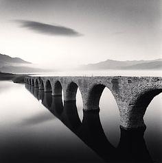 Wunderbar atmosphärische Fotografien von Michael Kenna. -repinned by California portrait studio http://LinneaLenkus.com  #fineart