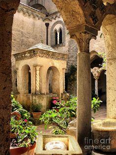 Villa Cimbrone - Historic building in Ravello, Amalfi Coast - 11th century
